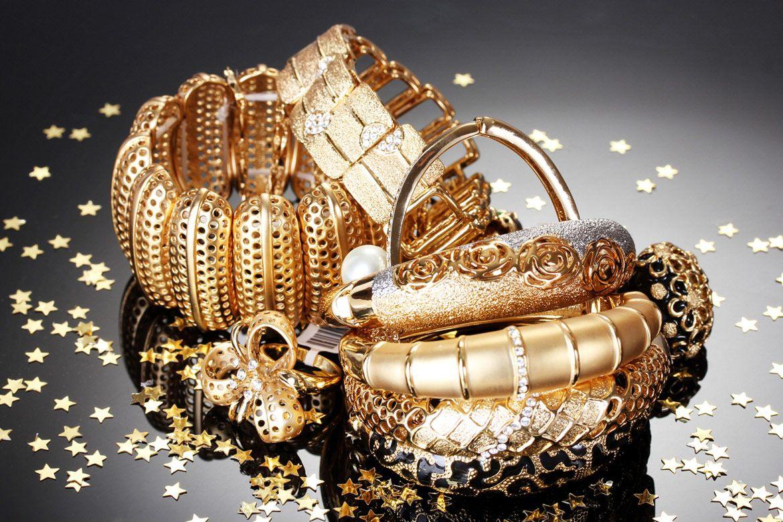 Открытки с ювелирными украшениями